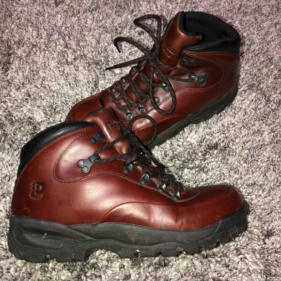 fad702bf7ce Dunham Storm Cloud 7 Womens Hiking Boot Size 8.5